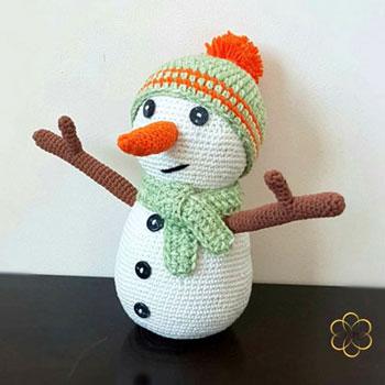 Amigurumi hóember sapkában és sálban (ingyenes horgolásminta)