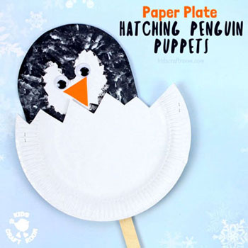 Hatching paper plate pingvin chick puppet - fun winter craft for kids