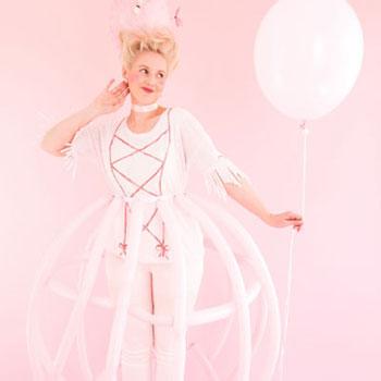 Marie Antoinette jelmez egyszerűen lufikból - farsangi jelmez