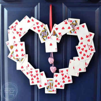 DIY Playing card Valentine's wreath ( Valentine's door hanger )