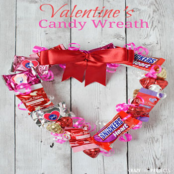 DIY Valentine's candy wreath - Valentine's day gift idea