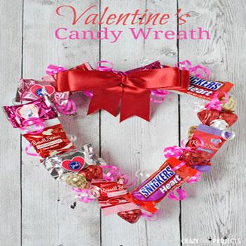 Szív alakú édesség koszorú (csoki koszorú) - kreatív ajándék
