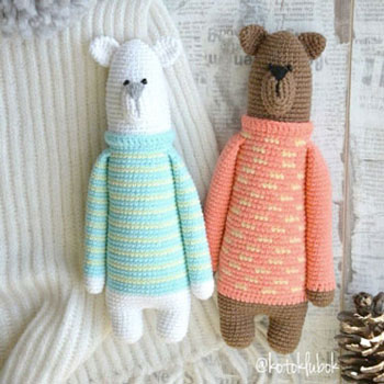 Tall amigurumi bear in sweater (free crochet pattern)