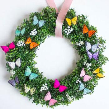 Egyszerű tavaszi koszorú pillangókkal - koszorúkészítés
