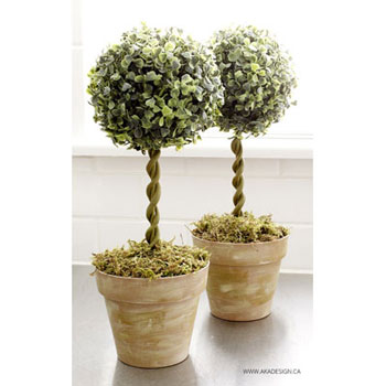 DIY Faux boxwood topiary trees - garden decor