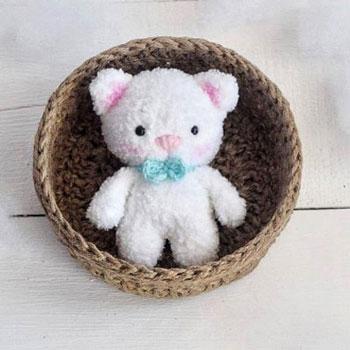 Puha, fehér amigurumi cica (ingyenes horgolásminta)