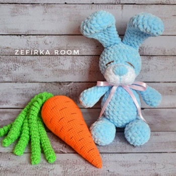 Little blue soft amigurumi bunny with carrot (free crochet patterns)