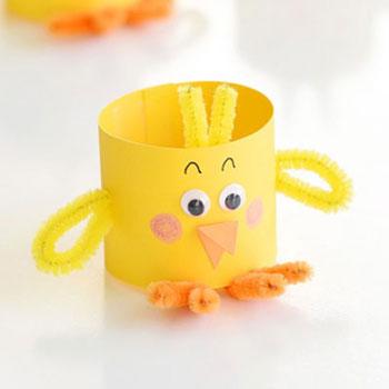 Egyszerű papír csibe pipatisztítóval - kreatív húsvéti ötlet gyerekeknek