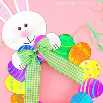 Egyszerű papír húsvéti tojás koszorú nyuszival - húsvéti koszorú