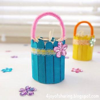Egyszerű mini húsvéti kosárkák jégkrém pálcikából (spatulából)