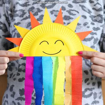 Szivárványos napocska papírtányérból és krepp papírból - ötlet gyerekeknek