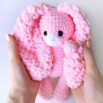Soft pink amigurumi bunny (free amigurumi pattern & video tutorial)