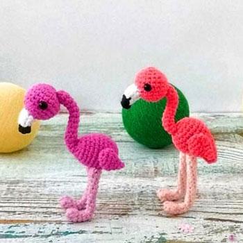 Kicsi amigurumi flamingó kulcstartó (ingyenes amigurumi minta)