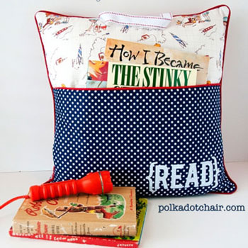 Easy DIY Reading pillow (free sewing pattern & tutorial)