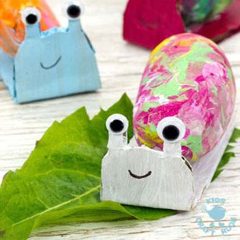 Kavics csiga - egyszerű kreatív ötlet gyerekeknek kövekből