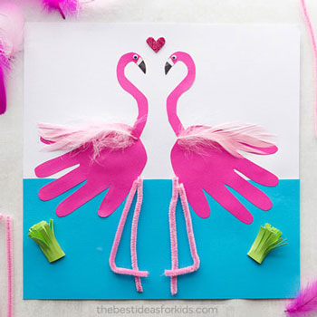 Kézkörvonal flamingó papírkép - egyszerű kreatív ötlet gyerekeknek nyárra