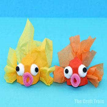 Vicces papír aranyhalak tojástartóból - nyári ötlet gyerekeknek