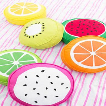 Gyümölcs szelet párnák egyszerűen körpárnákból - nyári dekoráció