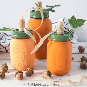 DIY Painted pumpkin mason jars - fall decor (mason jar craft)