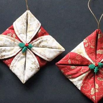 Hajtogatott csillag alakú karácsonyfadíszek egyszerűen