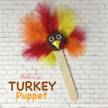 Pulyka báb műanyag kupakból tollakkal - őszi ötlet gyerekeknek