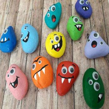 Kavics szörnyek - kreatív ötlet gyerekeknek kavicsokból