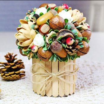 Őszi terméscsokor jégkrém pálcikával borított konzervdobozból - őszi dekoráció