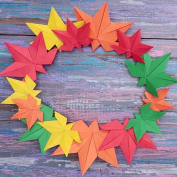 DIY Origami fall leaf wreath - fun fall craft for kids (paper folding tutorial)