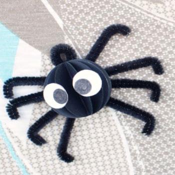 Aranyos papír gömb pókok - kreatív ötlet gyerekeknek Halloweenre