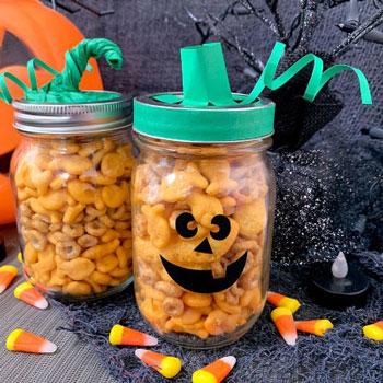 Befőttesüveg tök kínáló - kreatív Halloween ajándék ötlet