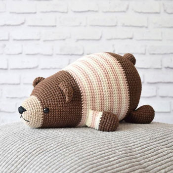 Adorable lying amigurumi bear (free amigurumi pattern)