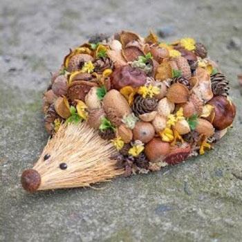 Termés süni - aranyos őszi sündisznó dísz termésekből
