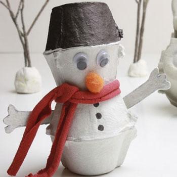 Tojástartó hóember - kreatív ötlet gyerekeknek télre