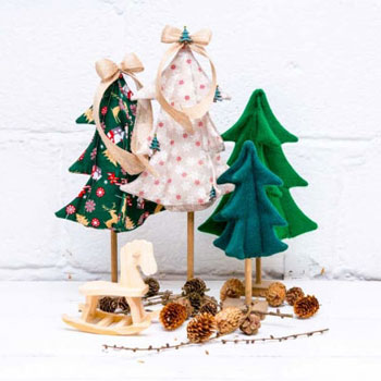Egyszerű térbeli textil karácsonyfa (ingyenes szabásminta és varrási útmutató)