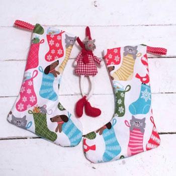 Kicsi karácsonyi zokni (ingyenes szabásminta és varrási útmutató)