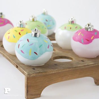 Fánk karácsonyfadísz gömbökből egyszerűen - kézzel készült karácsonyfadísz