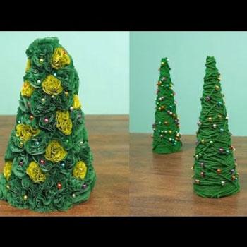 Kétféle egyszerű kézzel készült karácsonyfa (karácsonyi dekoráció)