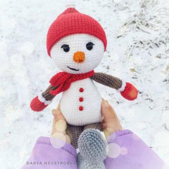 Amigurumi hóember sapkában és sálban (ingyenes amigurumi minta)