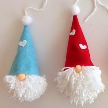 Egyszerű fonal szakálló manó karácsonyfadísz filcből (karácsonyi manó)