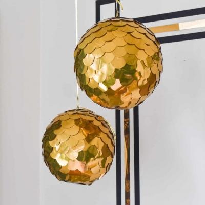 Óriás csillogó dekorációs gömb papírból és hungarocell golyóból egyszerűen
