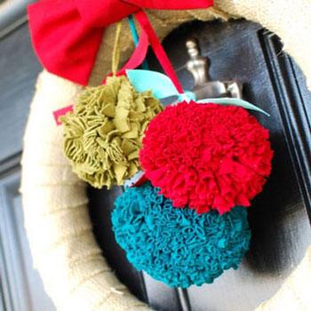 Pomponok megunt ruhákból