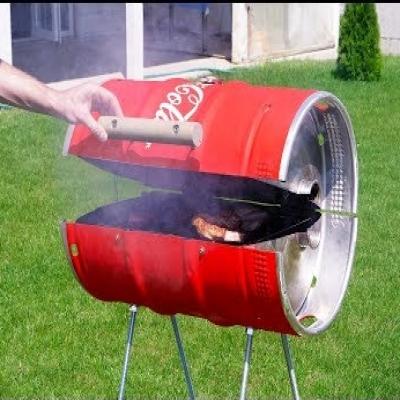 Coca Cola stílusú kerti grillező készítése fém hordóból