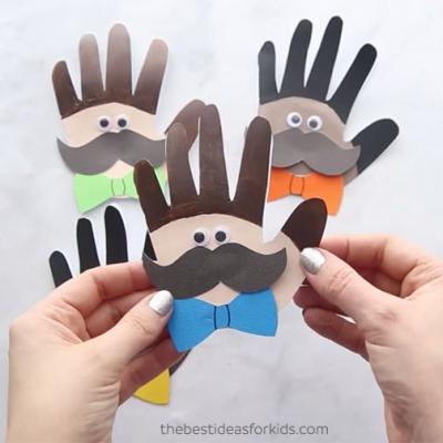 Bajuszos kézlenyomat figurák - vicces apák napi képeslap ötlet