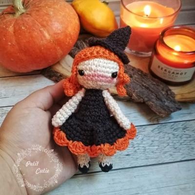 Amigurumi boszorkány baba - halloween figura ( ingyenes amigurumi minta )