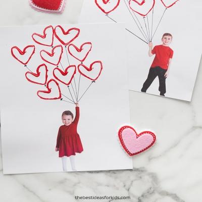 Valentin napi szívecskés lufis fényképes képeslap - emlék ajándék