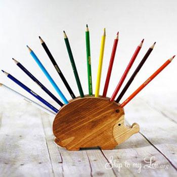 Ceruzatartó süni fából (sablonnal)