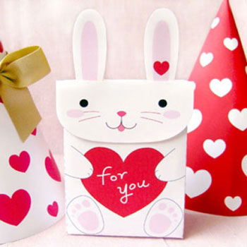 Nyuszis Valentin-napi dísztasak (nyomtatható mintaívvel)