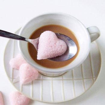 Szív alakú kockacukrok Valentin-napra