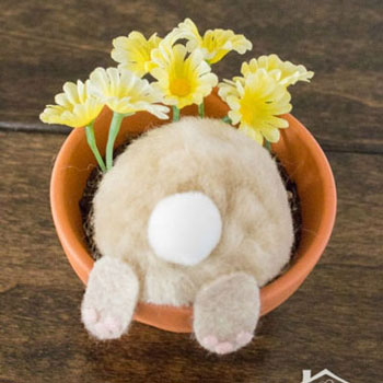 Curious bunny flower pot easter decoration