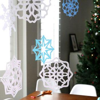 Egyszerű papír hópelyhek - függő ablakdekoráció papírból